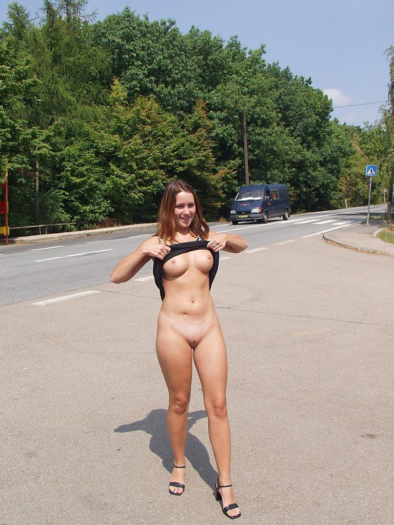 Nude in public places - Ivette - 2