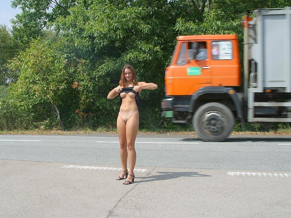Nude in public places - Ivette - 8