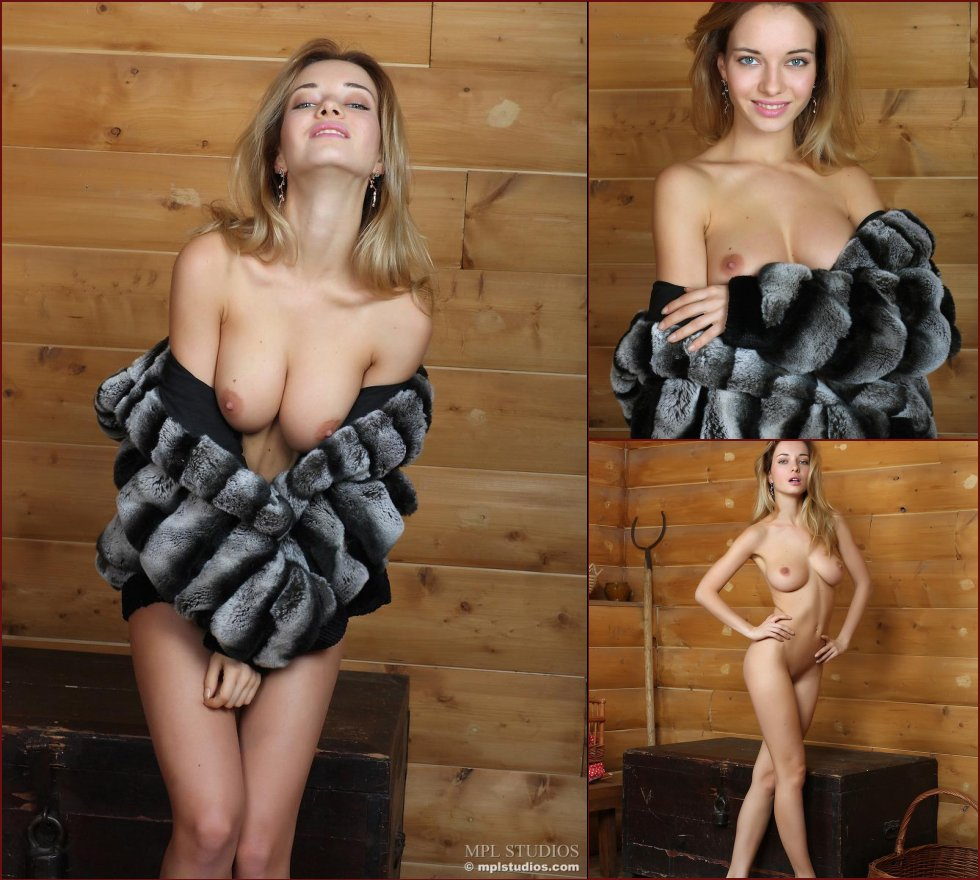 Young blonde with sexy body - Danica - 34