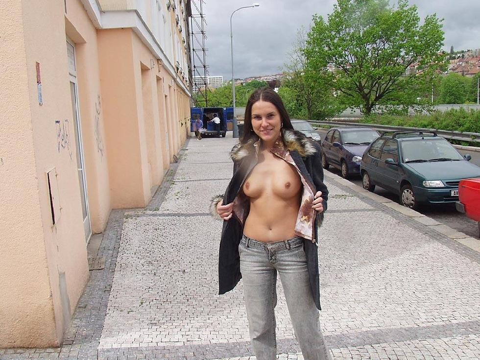 Amateur is showing her pussy public - Zuzanna. Part 1 - 2