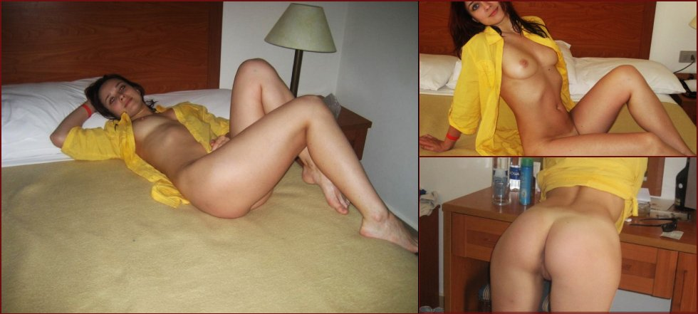 Cute redhead shows her ass - 44