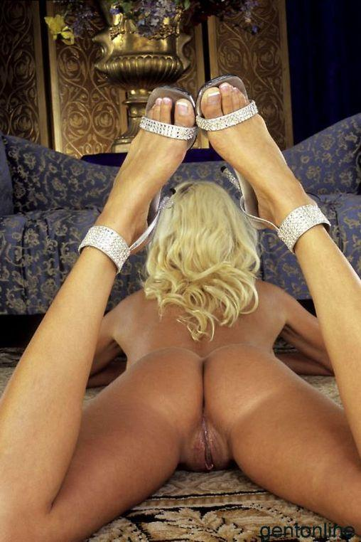 Busty MILF and her dildo - Puma Swede - 4