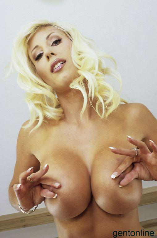 Busty MILF and her dildo - Puma Swede - 7