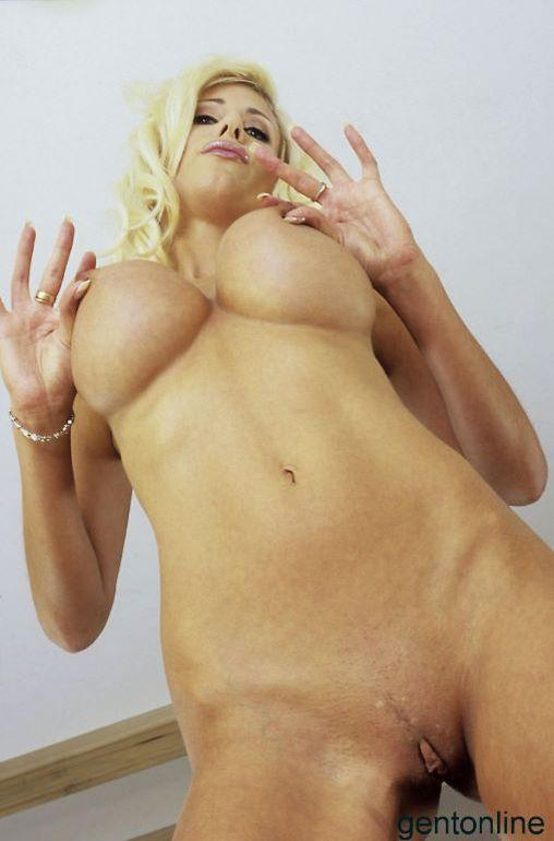Busty MILF and her dildo - Puma Swede - 9