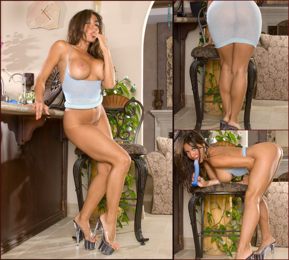 Horny and very sexy Candice Cardinele - 5