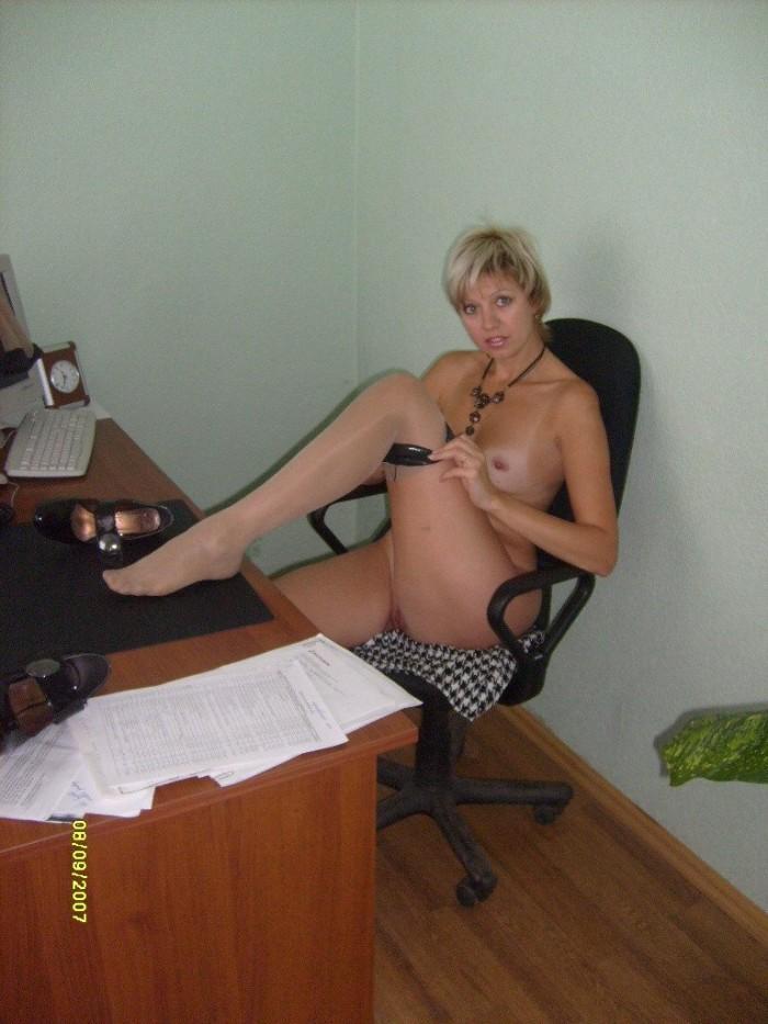 Secretary does a striptease in the office - 4