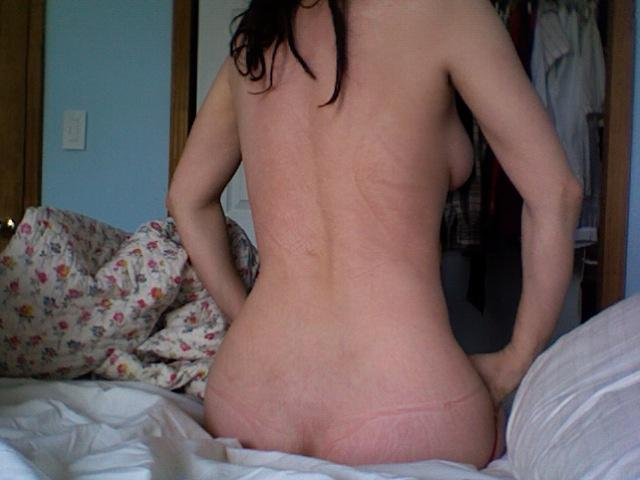 Naked actress Zoe Kazan - 2