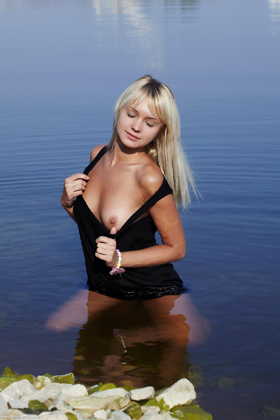 Young blonde is posing in the lake - Lada - 1