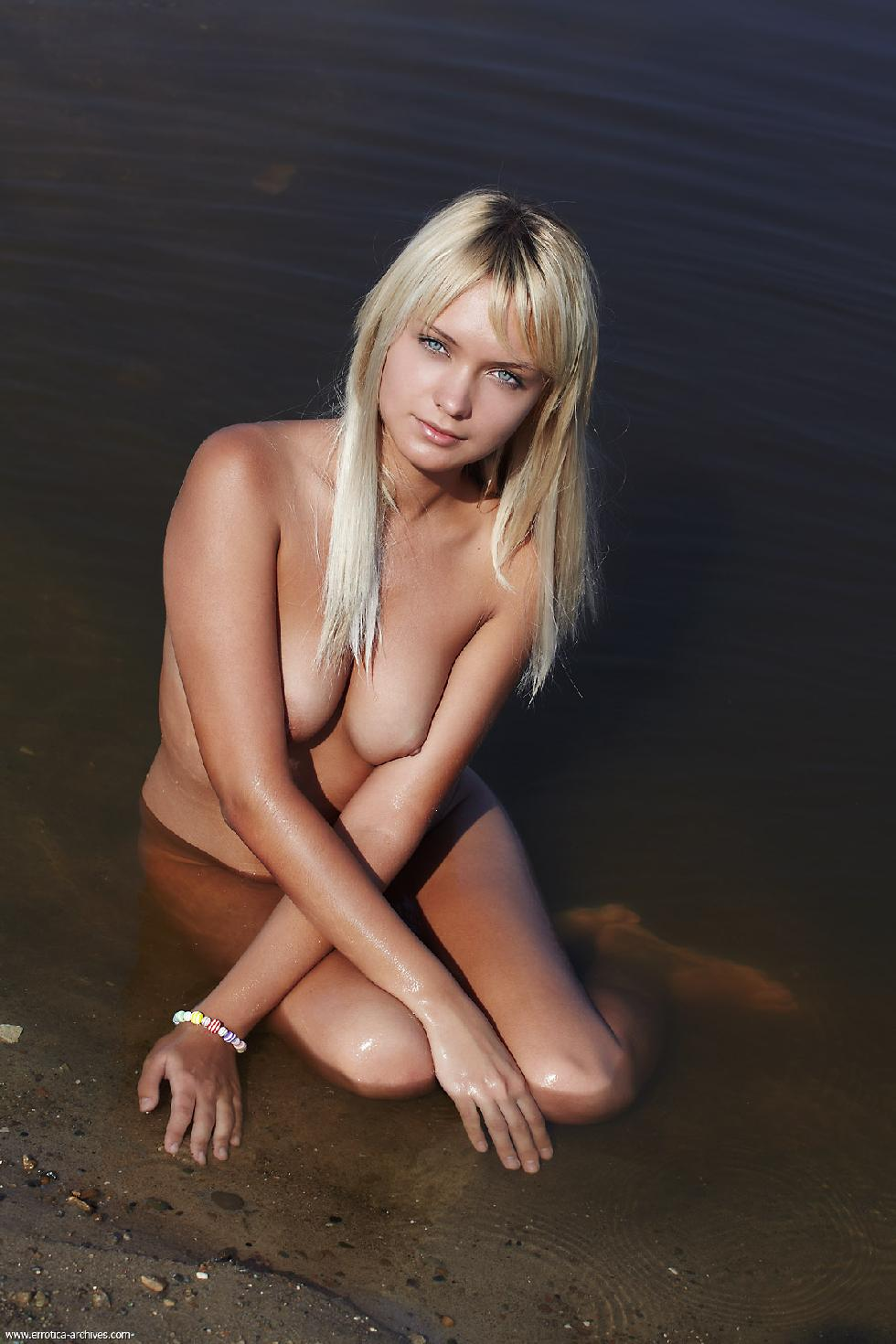 Young blonde is posing in the lake - Lada - 11