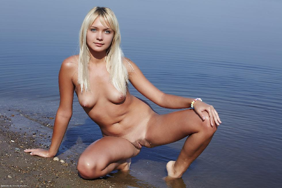 Young blonde is posing in the lake - Lada - 5
