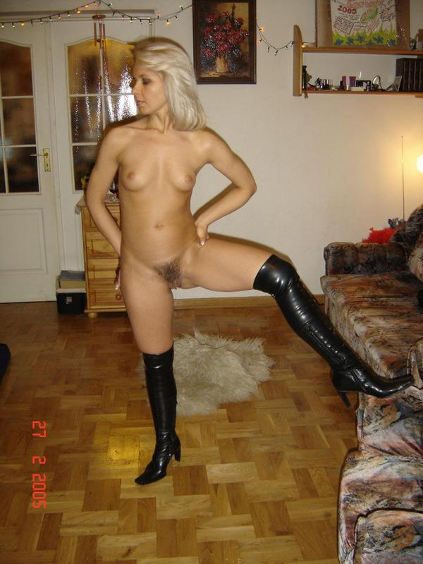 Sexy MILF in black boots - 3