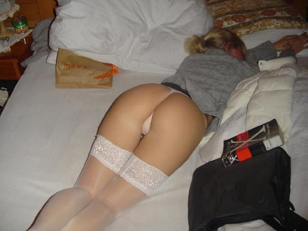 Blonde amateur with nice ass - 7