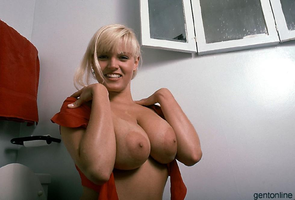 Bathroom fun with busty blonde mom - Sandra - 3