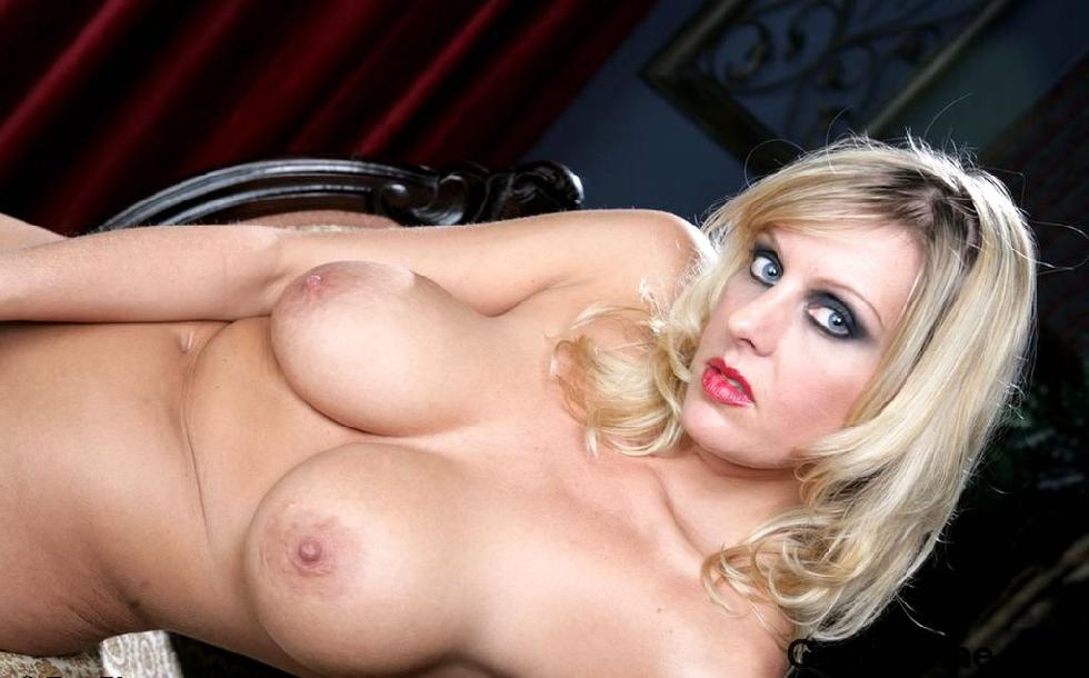 Blonde MILF named Renee is showing off her big rack - 8