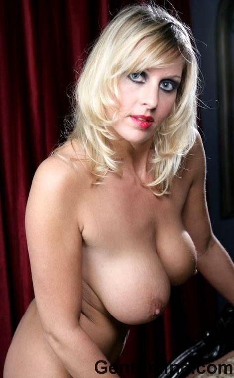 Blonde MILF named Renee is showing off her big rack - 9