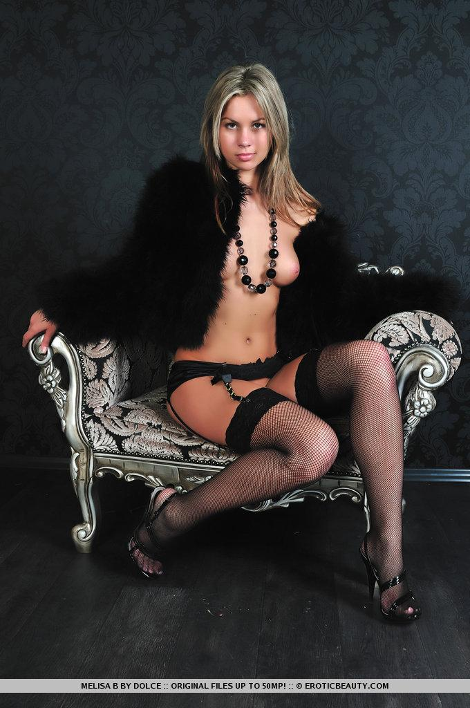 Exclusive lady ready to fun - Melisa