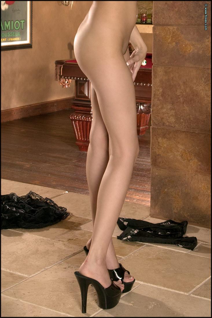 Leggy busty blonde in black - Ami Starr - 15