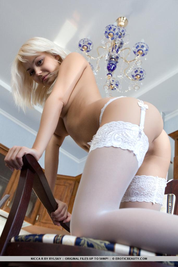 Magnetize Nicca in sexy stockings - 4