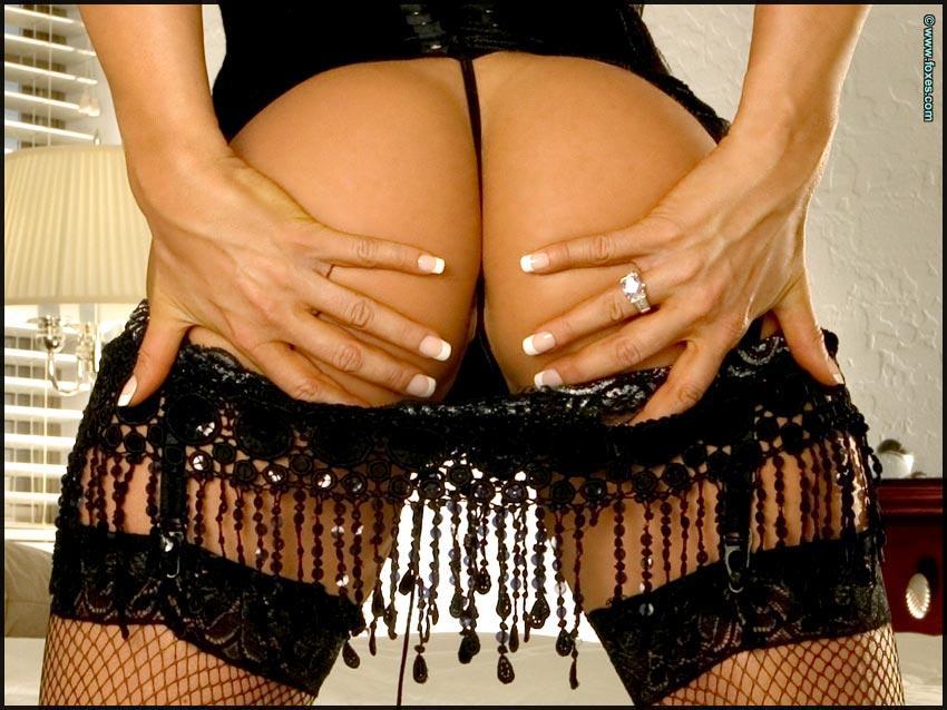 Seductive Tesha Diva in black sexy stockings - 3