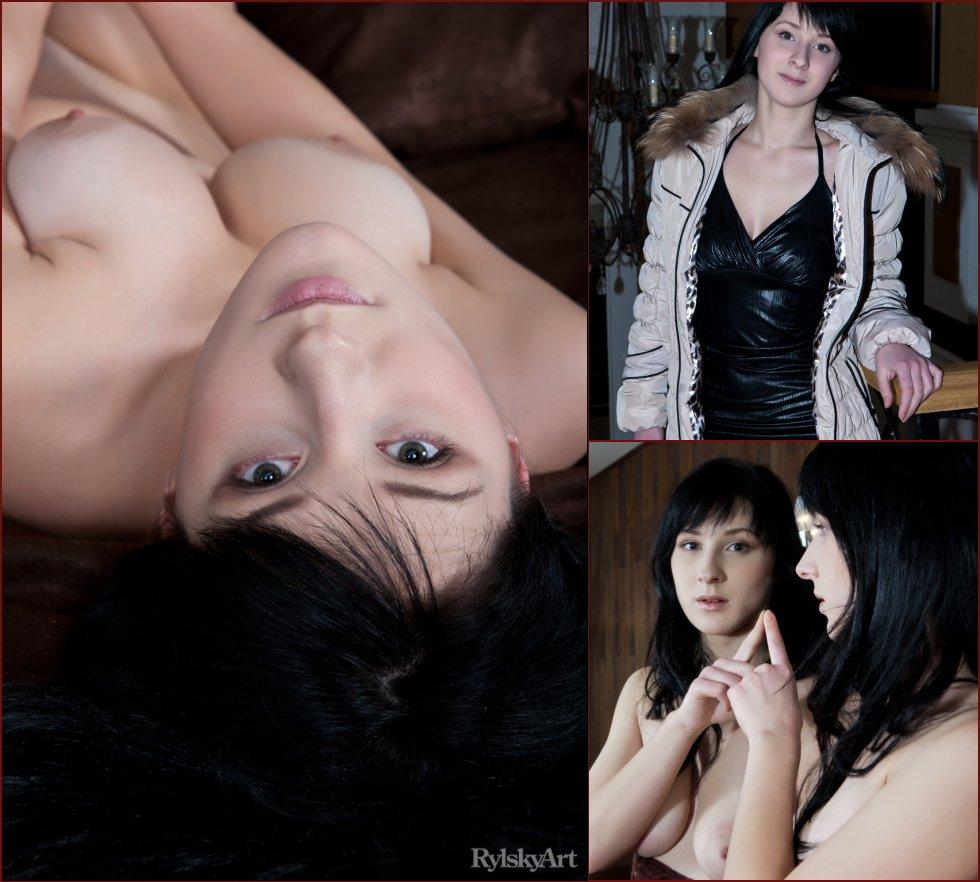 Brunette with amazing tits - Yenta - 11