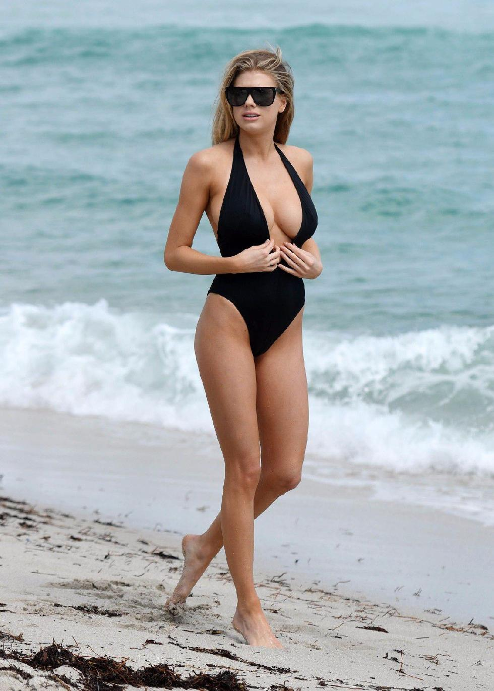 Charlotte McKinney is showing a nipple - 7