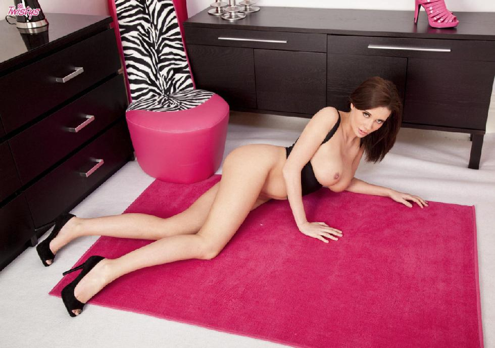 Hot and horny Sabrina Perri in the pink world - 8