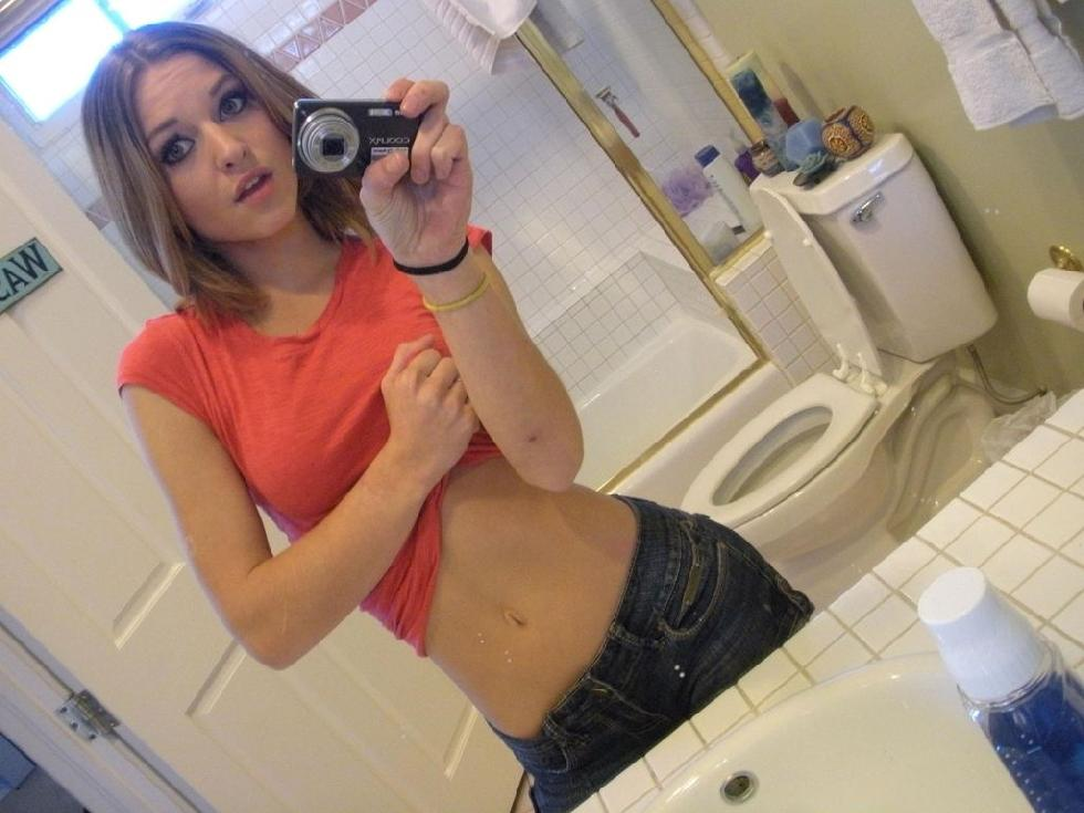 Magnificent amateur in the bathroom - 4