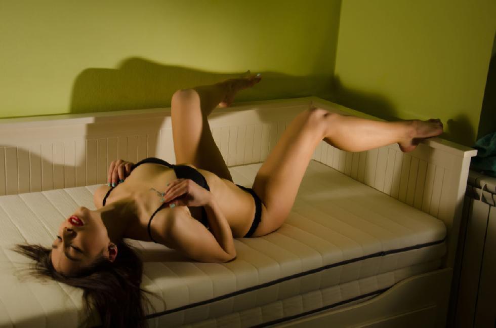 Sensual Dorova shows tight pussy on a sofa - 2