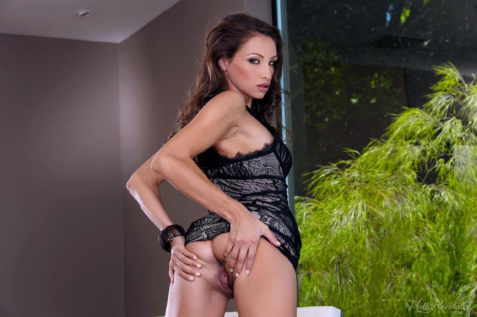 Lustful chick with hot body - Celeste Star - 2