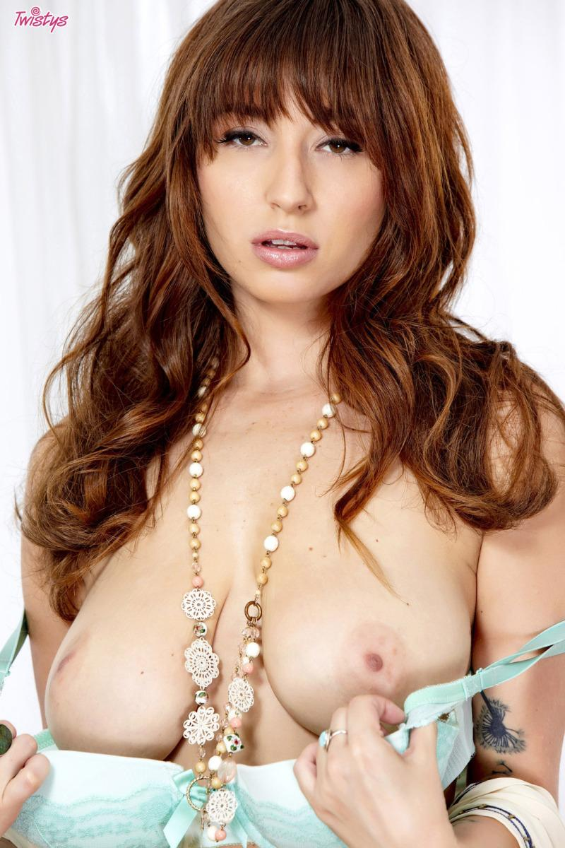 Delicious Shay Laren shows amazing body - 2