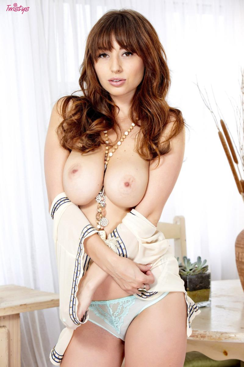 Delicious Shay Laren shows amazing body - 3