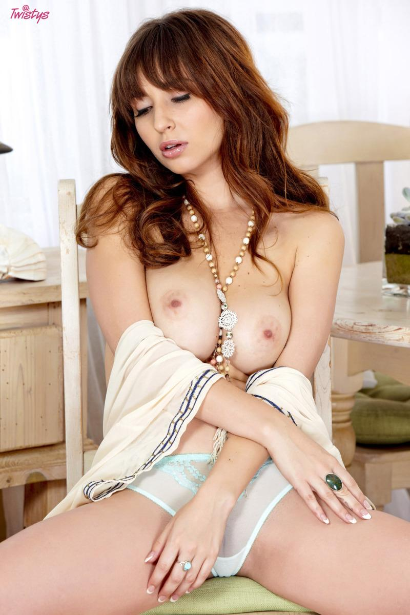 Delicious Shay Laren shows amazing body - 4