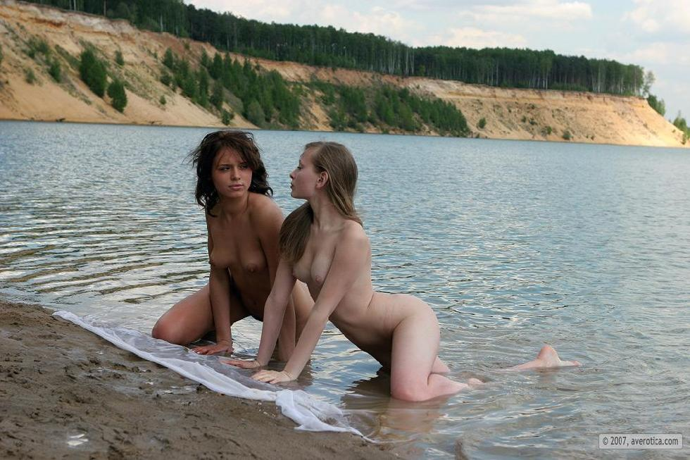 Tiny naked girls on the beach - Nusia & Anna - 13