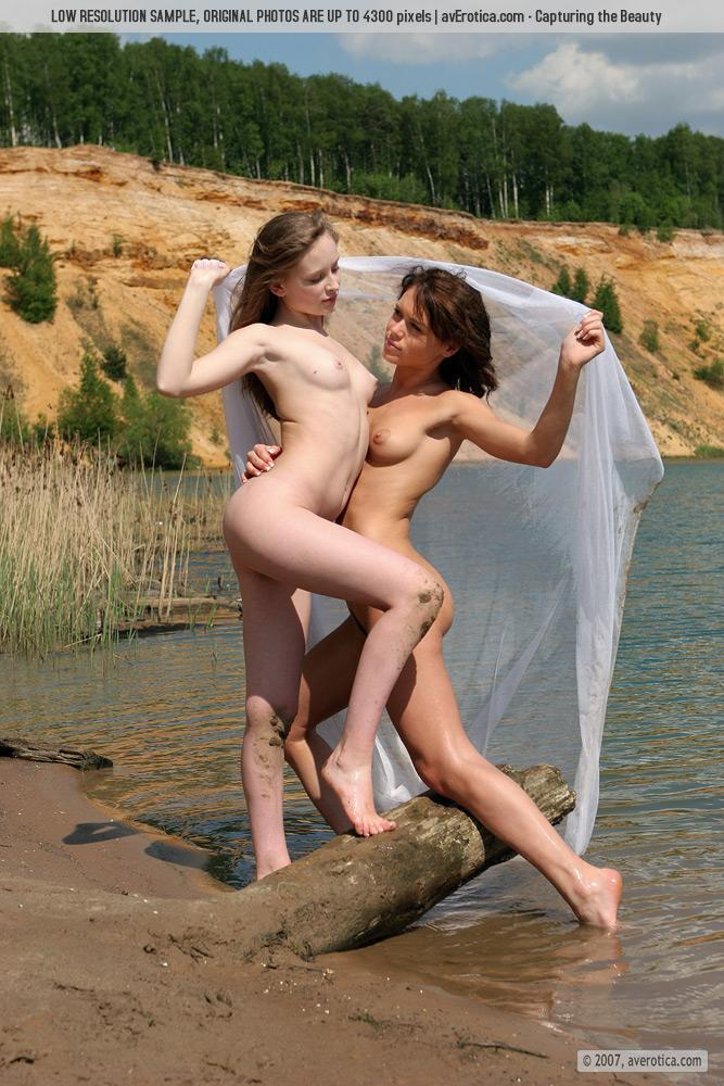 Tiny naked girls on the beach - Nusia & Anna - 7