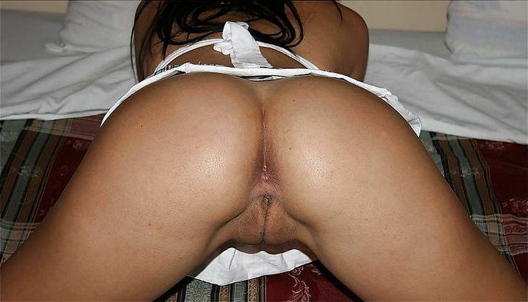 Tanned Latina with hot ass - 14