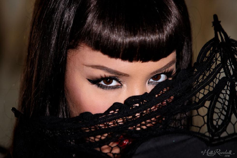 Tattooed brunette in black - Masuimi Max - 1