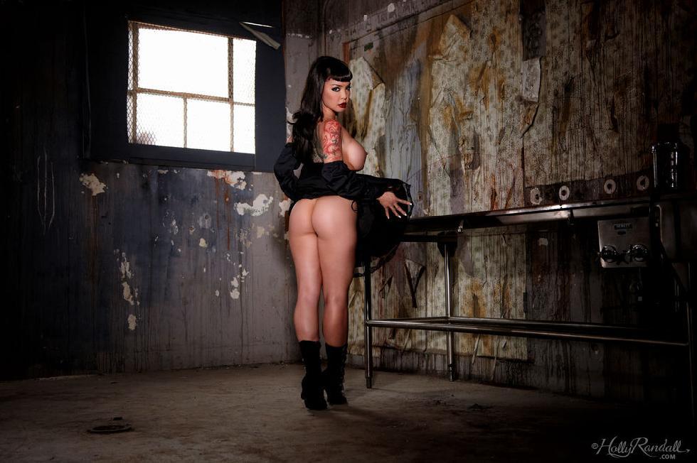 Tattooed brunette in black - Masuimi Max - 11