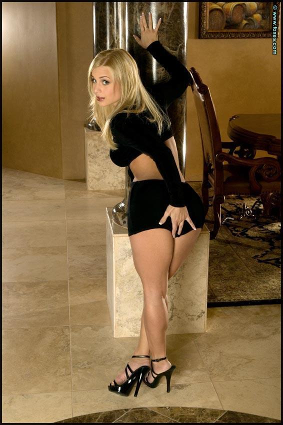 Busty Jenny Poussin in black - 1