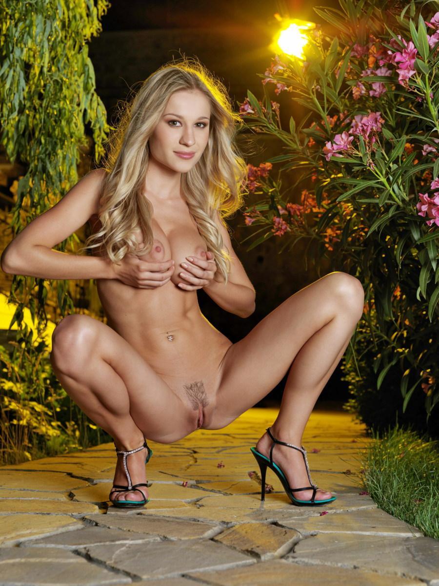 Fascinating Felicity in the beautiful garden - 6