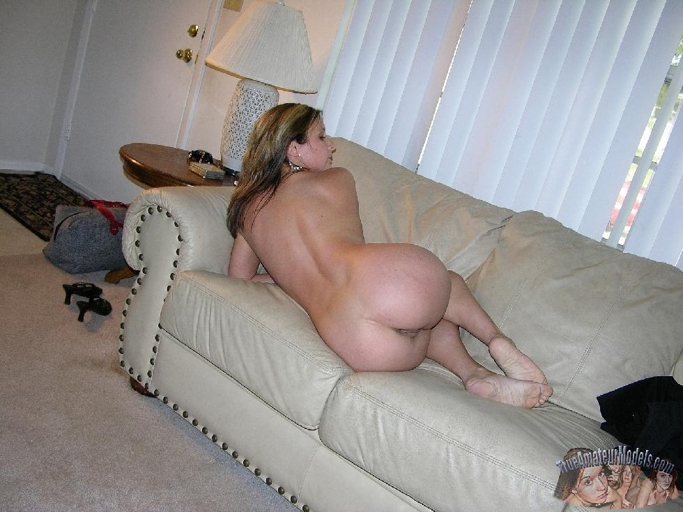 Sexy wife named Sophia is posing on the couch - 4