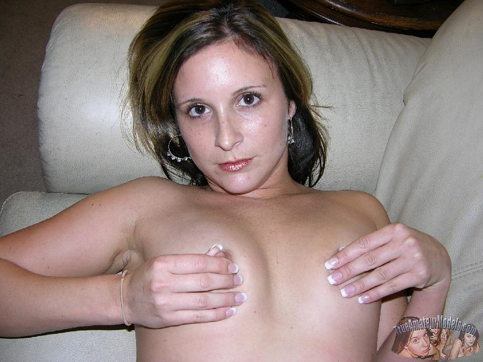 Sexy wife named Sophia is posing on the couch - 7