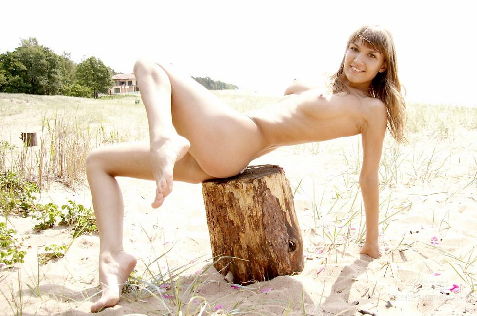 Atena is a naked goddess on the beach - 7
