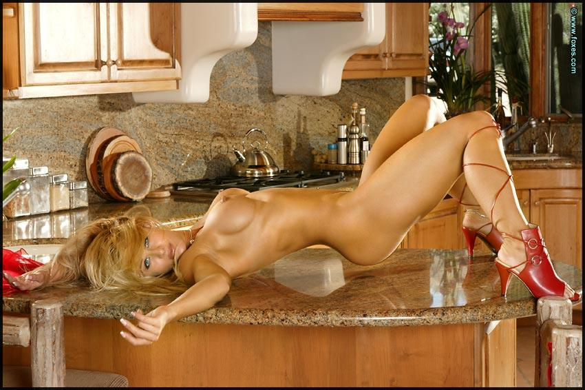 Busty Ahmo Hight in the kitchen - 8