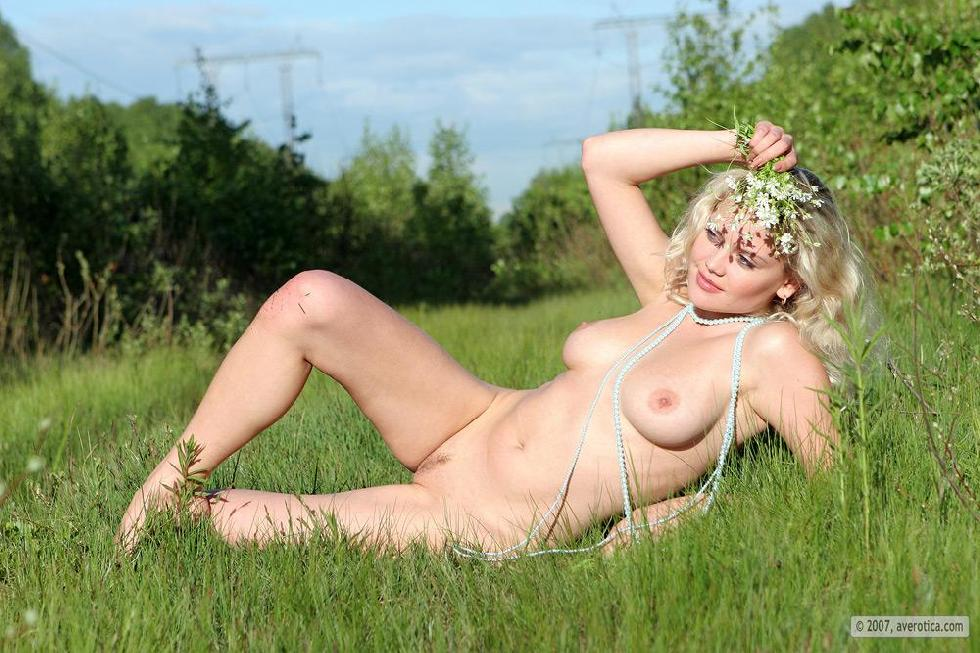 Naked Valentina is posing on the grass - 15