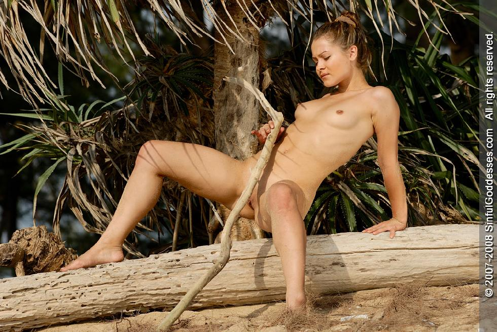 Wonderful naked girl on the beach - Jessica. Part 2 - 10