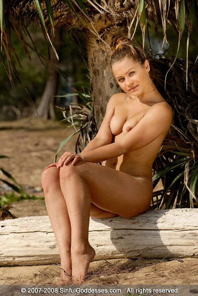 Wonderful naked girl on the beach - Jessica. Part 2 - 11