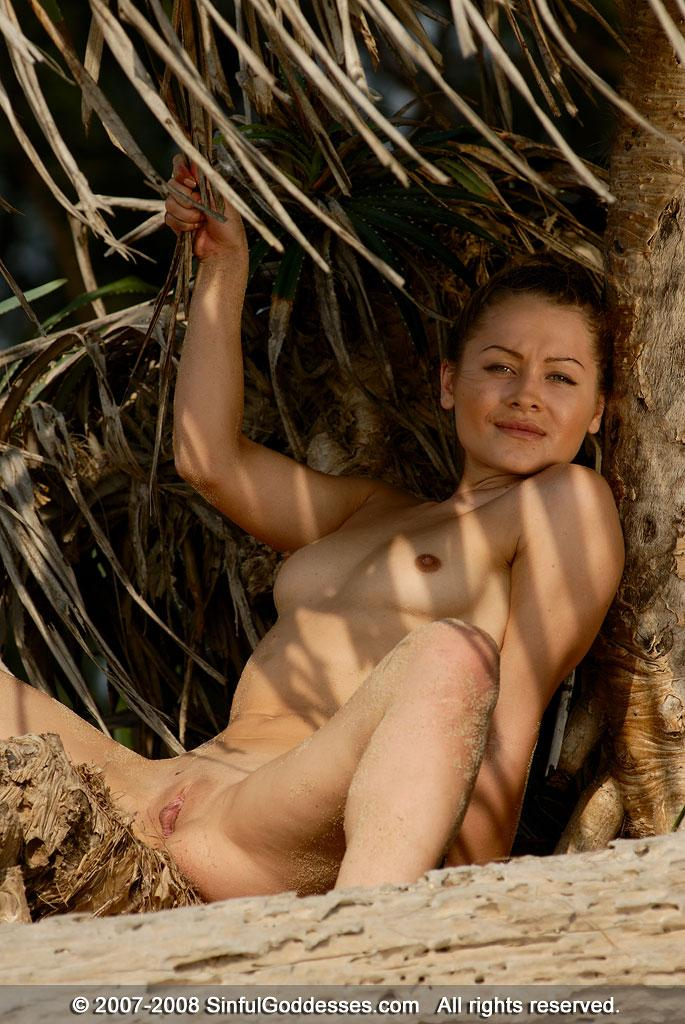 Wonderful naked girl on the beach - Jessica. Part 2 - 7