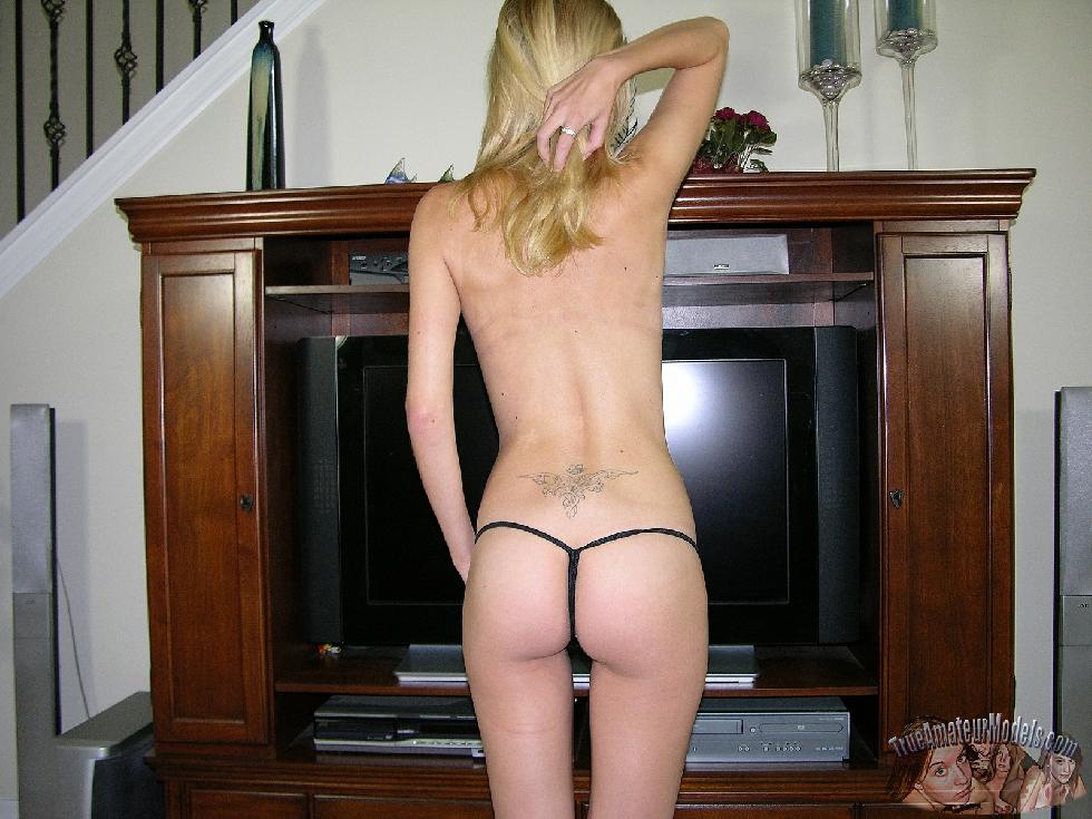 Michelle is proud to show you her slim naked body - 5
