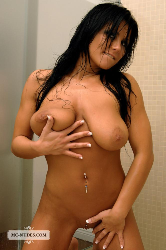 Busty Cindy is taking a sexy shower - 10
