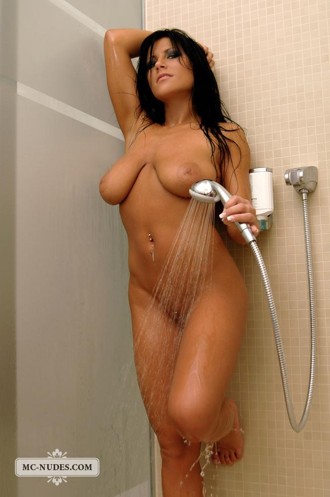 Busty Cindy is taking a sexy shower - 4